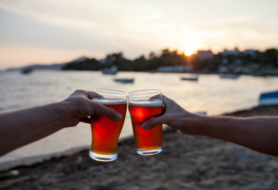 Looking For The Best Outdoors Bars In Bluffton SC?